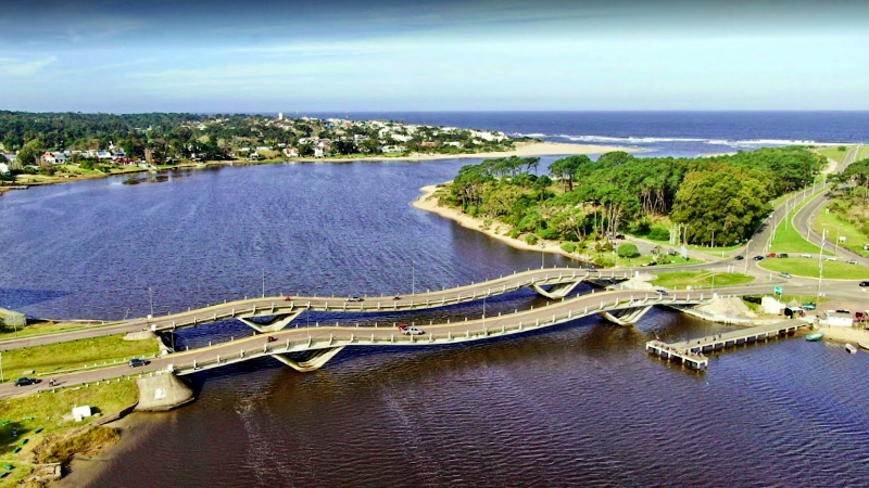 Lionel Viera Bridge La Barra