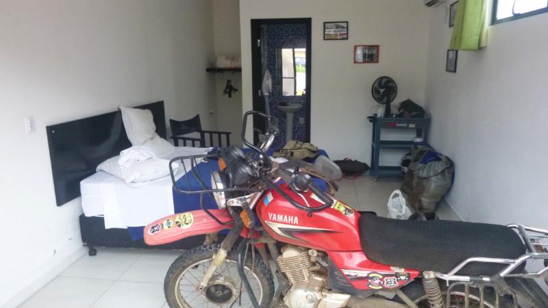 MotoGaragem Room